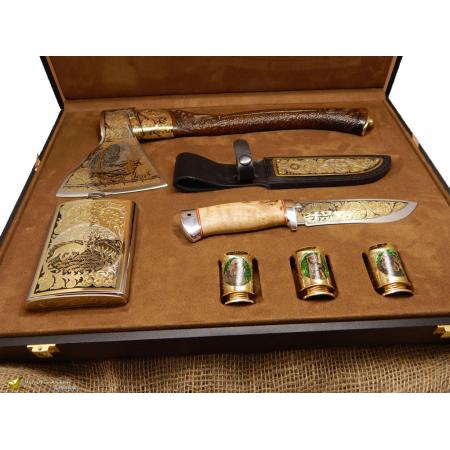 Подарочный набор  Охотник (Топор, фляжка, три рюмки, нож )