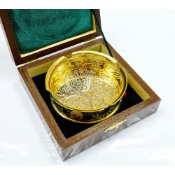 Пепельница с золотым покрытием и камнями